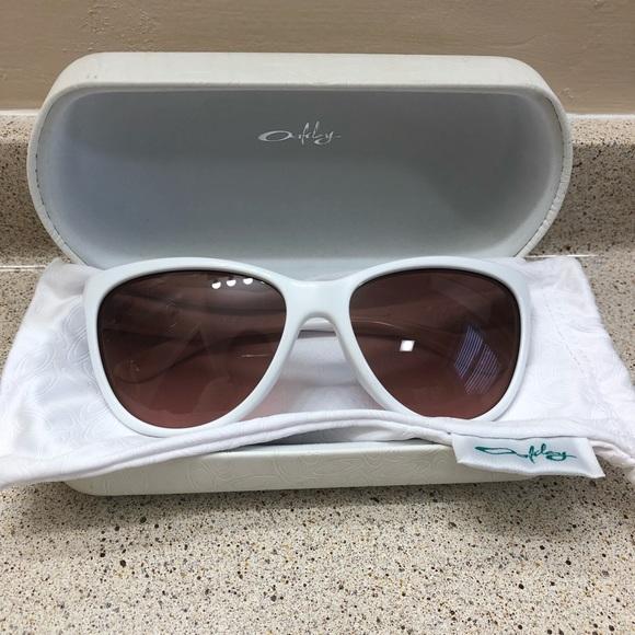 Oakley Accessories - New OAKLEY Sunglasses